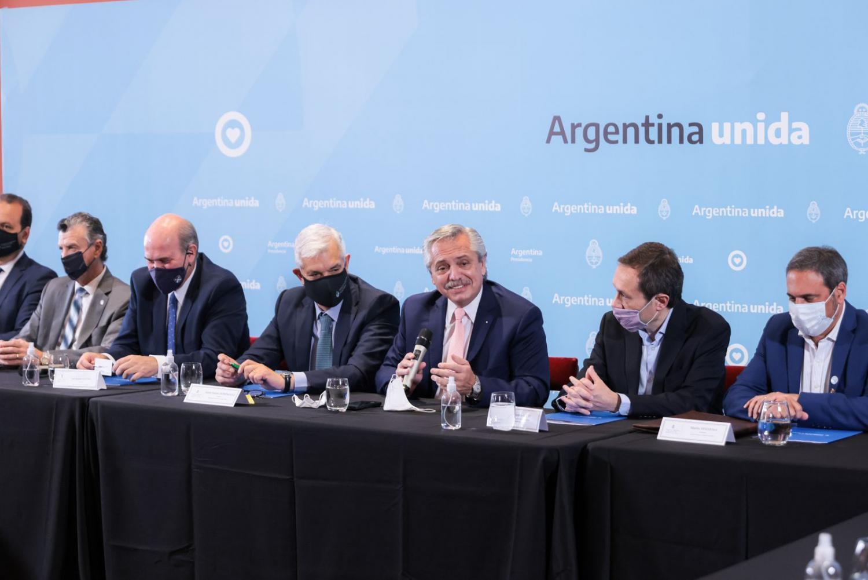 Alberto Fernández: es necesario volver a sentarnos todos para diseñar el futuro
