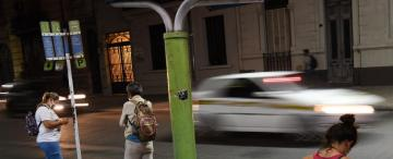 El celular puede hacer seguras las paradas de colectivos